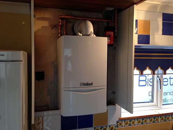 installing vaillant boilers gas condensing boiler. Black Bedroom Furniture Sets. Home Design Ideas